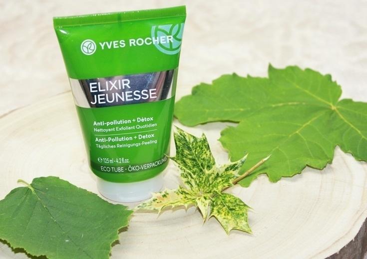 Yves Rocher Elixir Jeunesse Daily Exfoliating Scrub